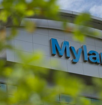 Mylan's EpiPen price hike outcry spurs U.S. legislators to investigate rebate practices